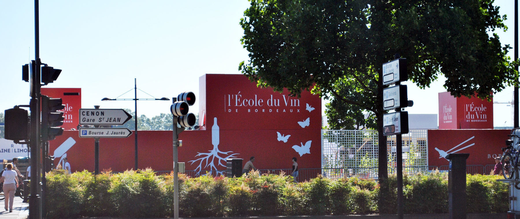 pavillon-école-du-vin-2016-graphisme-façades